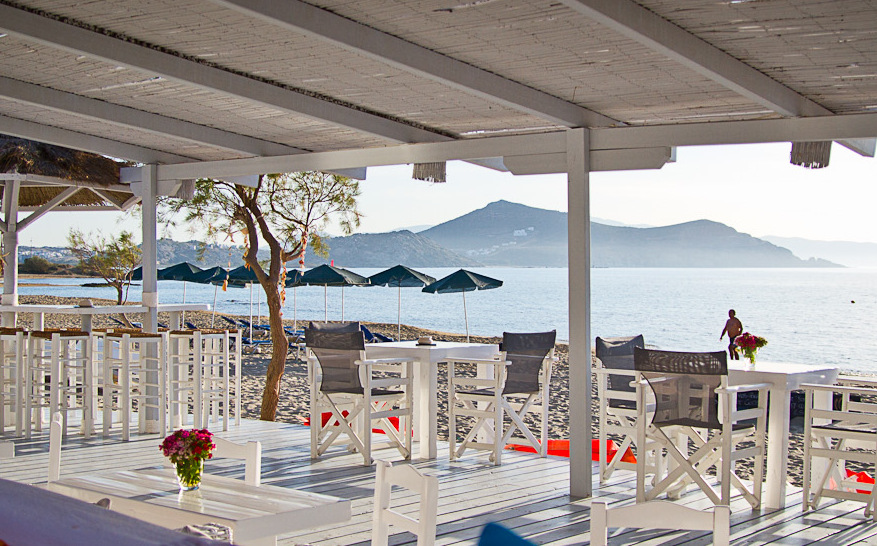 flisvos beach cafe naxos