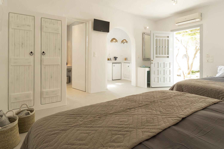 flisvos studios apartments greece sport club naxos