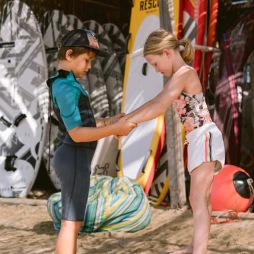 flisvos sportclub summer camp kids 2021 windsurf lessons center laguna greece naxos griechenland kinder urlaub ferien reisen travel wassersport rrd neilpryde