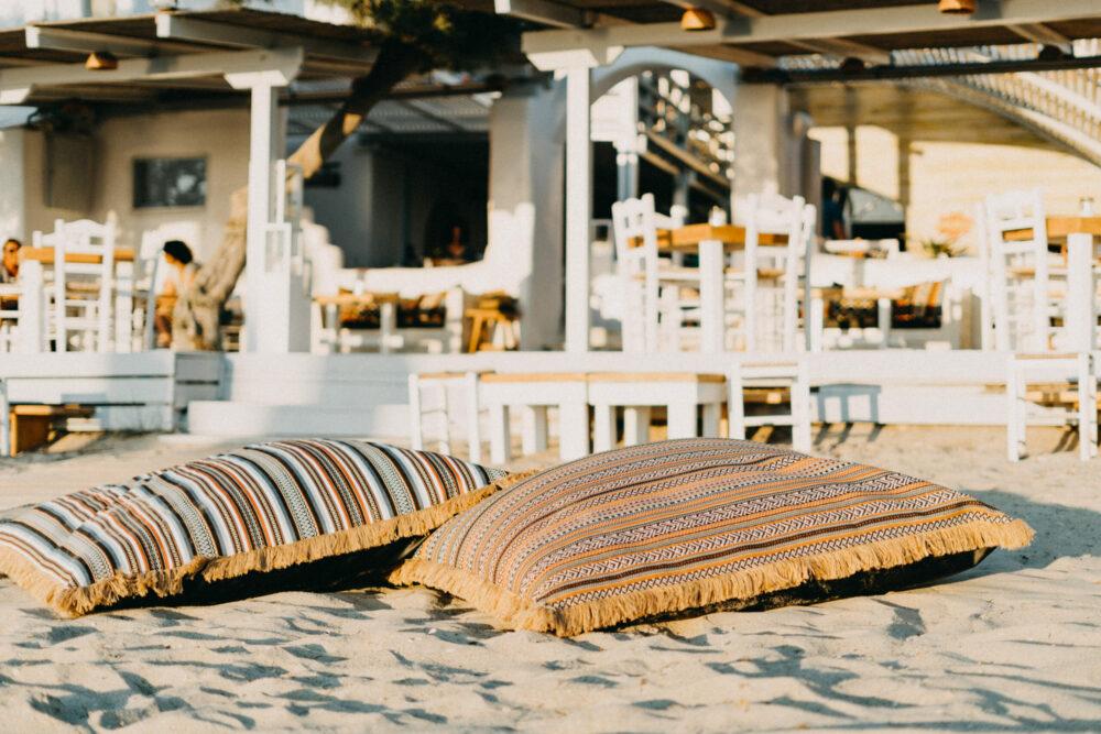 flisvos restaurant bar beach cafe naxos greece sprotclub summer beachbar trendy