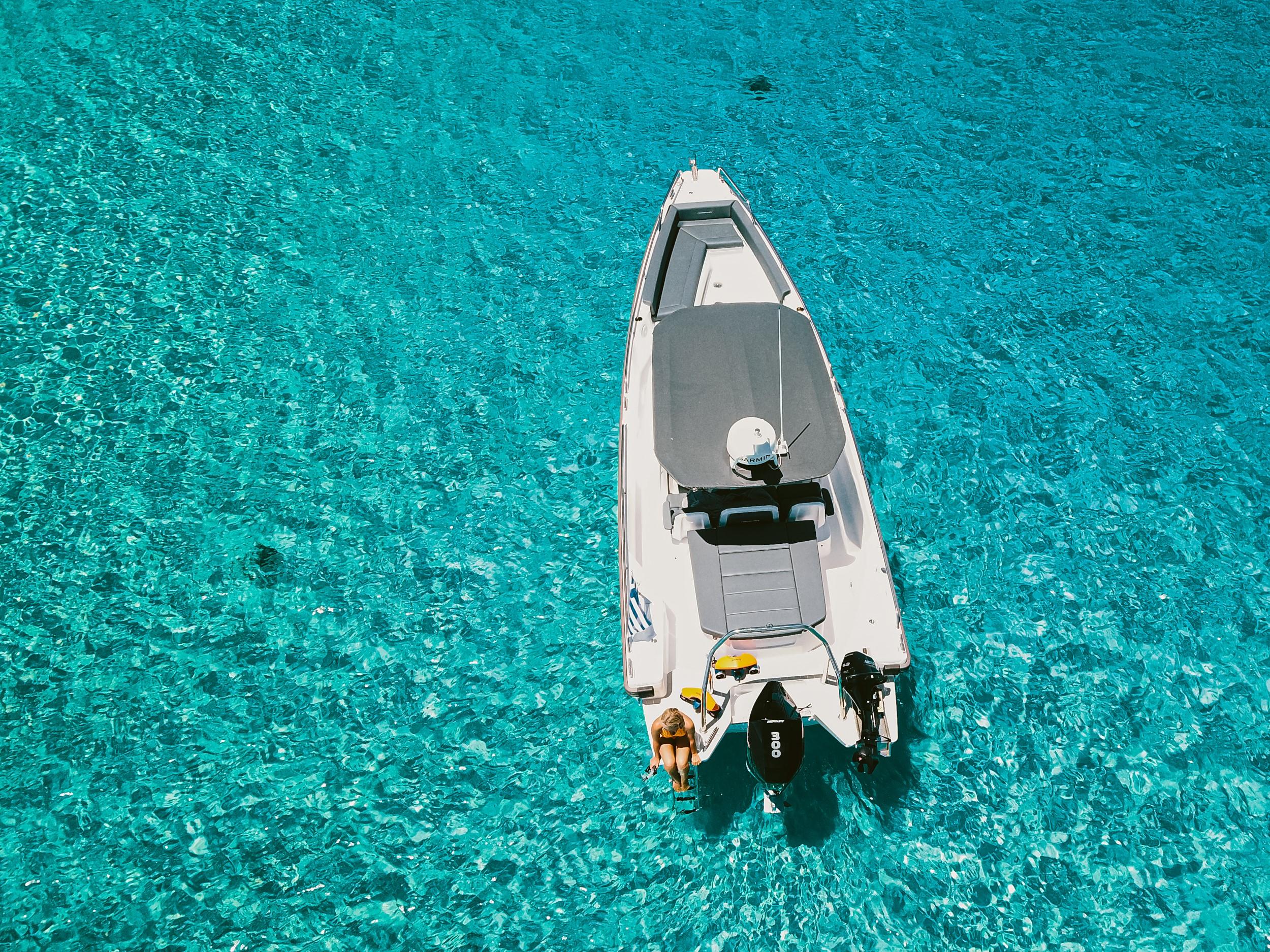 flisvos sportclub naxos griechenland wassersport urlaub ferien sommer axopar 28 TT seasecret boat trip divescooter