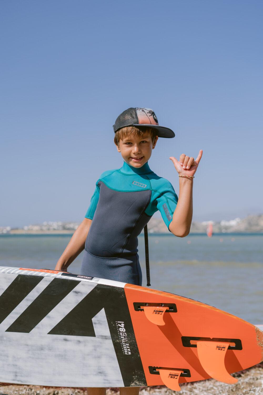 flisvos sportclub naxos greece windsurf center kids camp windsurfing wave spot laguna kinder urlaub ferien sommer reisen rrd