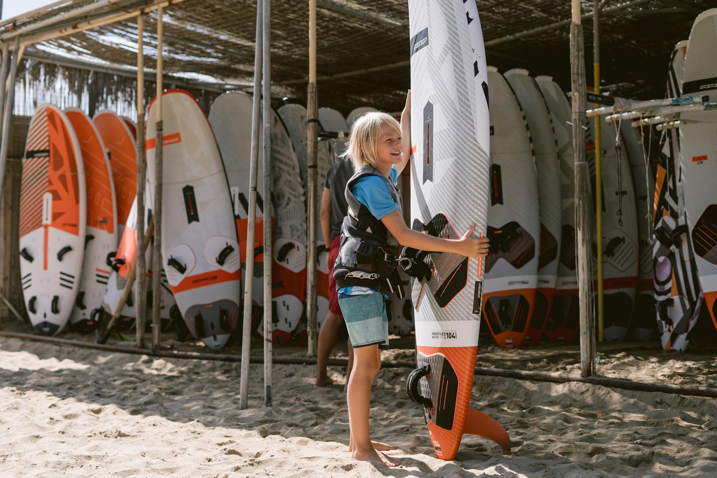flisvos sport club laguna windsurf center naxos greece holiday kidscamp