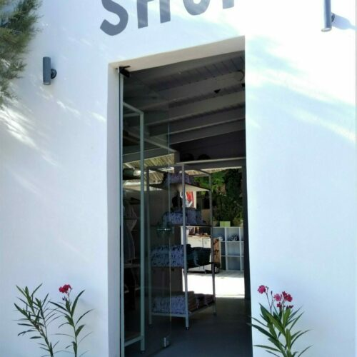 beach shop flisvos sport club naxos greece surfshop