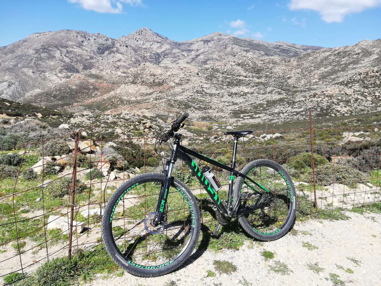 ghost bikes rental mountainbiking naxos greece flisvos sportclub trekking trails off road explore